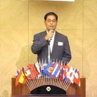 中央大学野球部OB会会長、末次利光氏のスピーチ